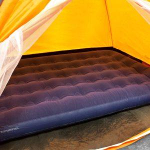 oppblåsbar seng