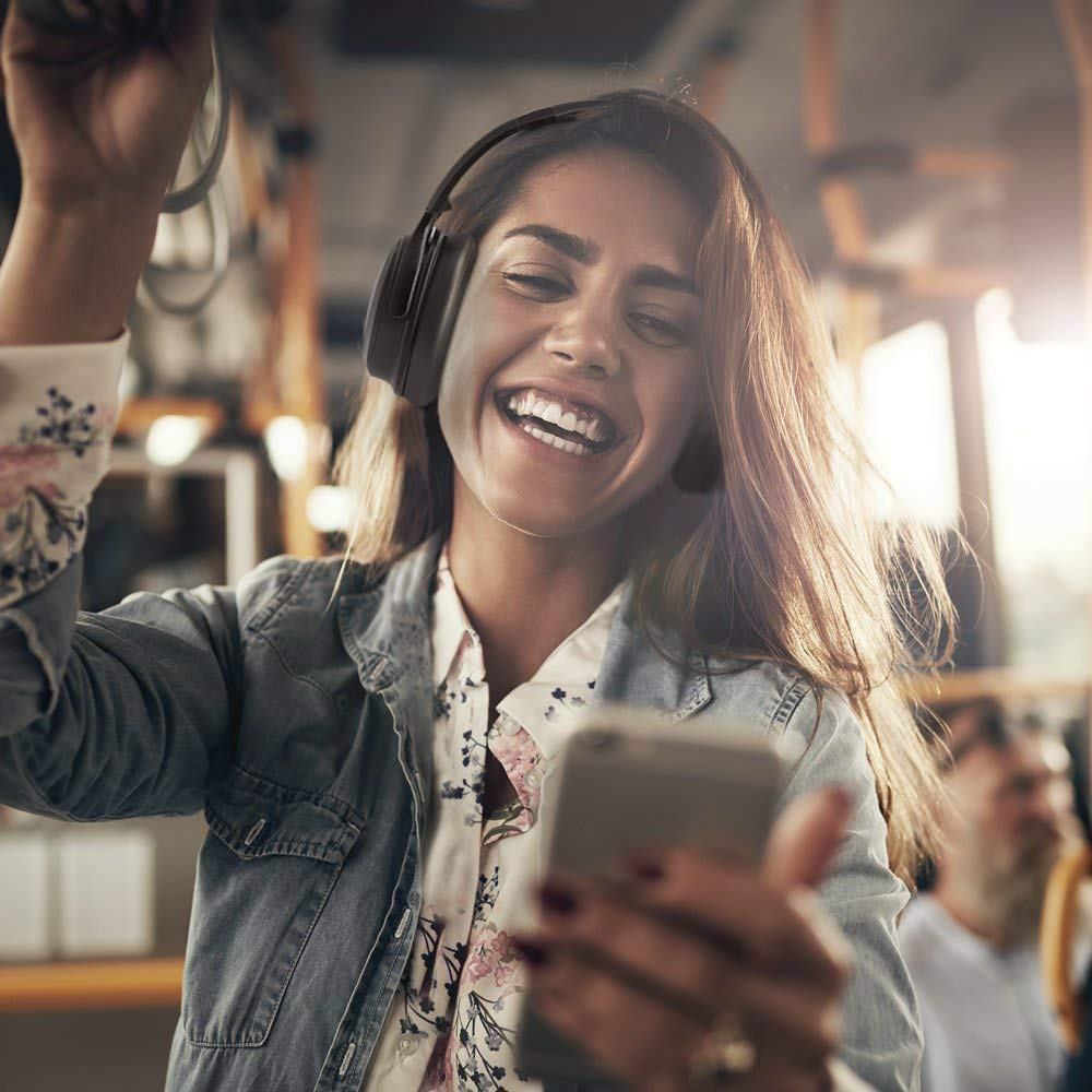 test trådløse hodetelefoner